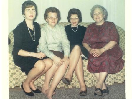 Waybac.1965.12.XmasMorganGals