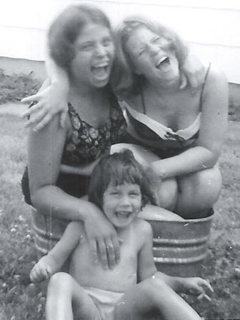 Waybac.1966.08.MomBrendaCathy