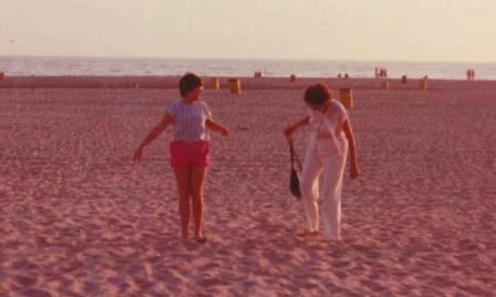 Waybac.1985.Dee.MomO.Beach