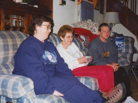 Waybac.1998.12.cmoms1