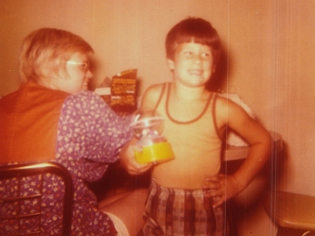 Waybac.Mom.Tommy.70s