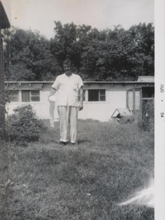 Waybac.1954.08.sil1
