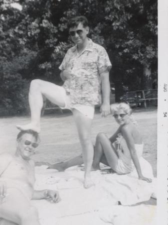Waybac.1954.08.sil3