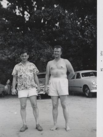 Waybac.1954.08.sil4