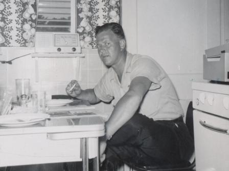 Waybac.1956.08.sil6