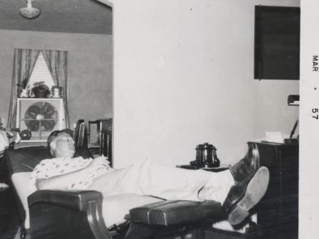 Waybac.1957.03.gir1