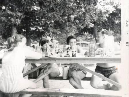 Waybac.1957.08.fsp6