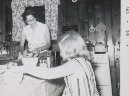 Waybac.1958.08.mfp38