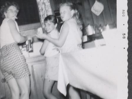 Waybac.1958.08.sc1