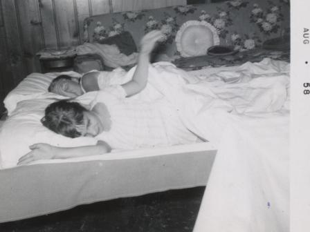 Waybac.1958.08.sc6