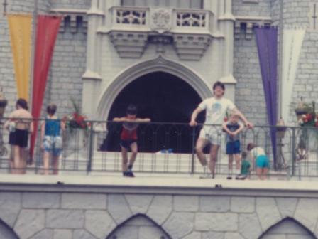 Waybac.1986.04.dsb25