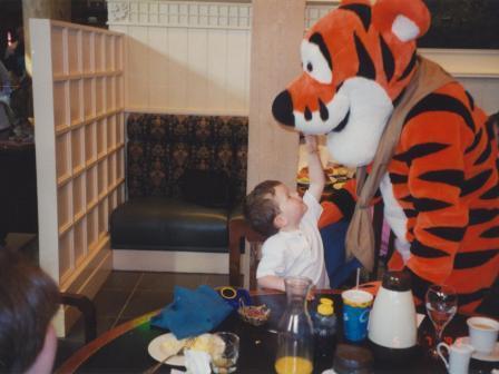 Waybac.1999.05.bwp33