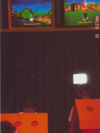 Waybac.2004.05.wdw07
